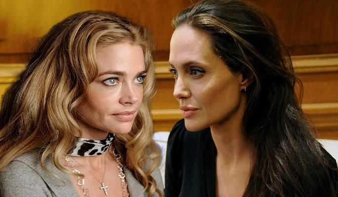 После развода Джоли переехала к актрисе