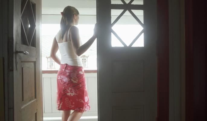 Девушка открыла дверь обидчикам Мирзаева