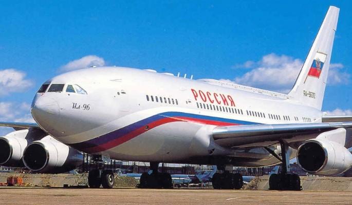 Самолет Путина получил повреждения