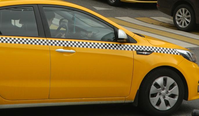 Голый москвич чудом спасся от таксиста-насильника