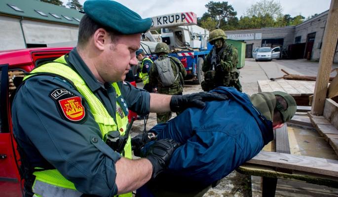 Власти Литвы два года преследовали школьников ради пиара