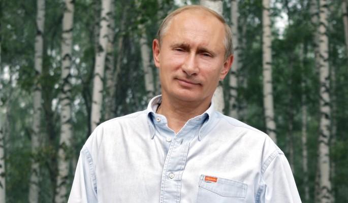 Опубликовано видео поющего под гитару Путина