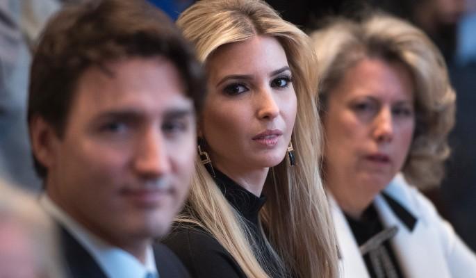 Дочь Трампа осудили за фото в Овальном кабинете