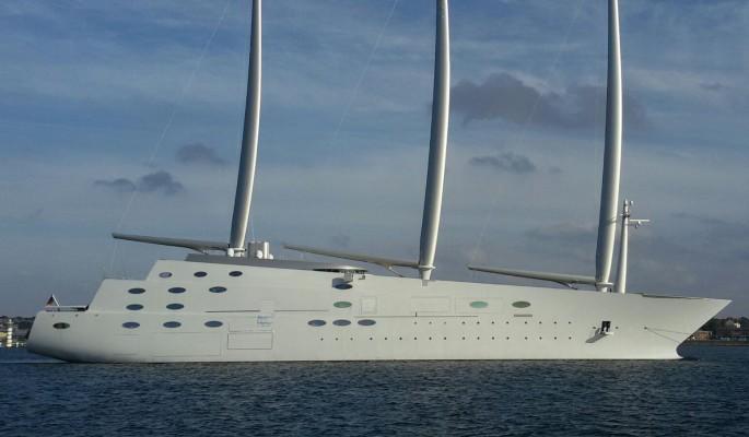 Яхта российского миллионера арестована в Гибралтаре