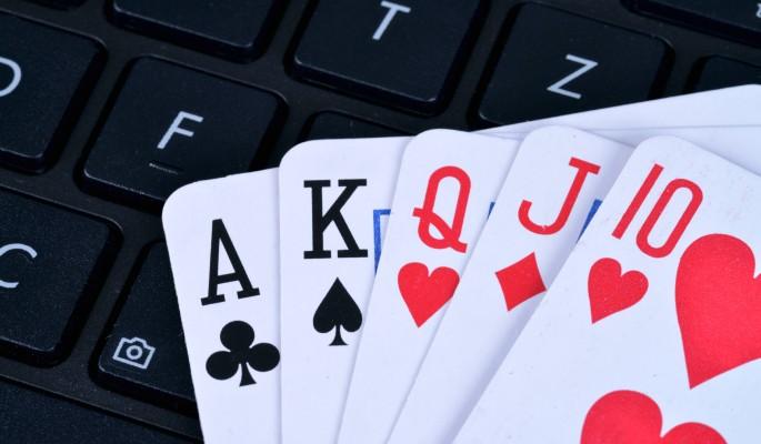 Чиновник проиграл бюджет села в онлайн-покер