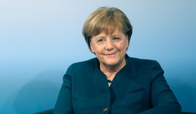 Зачем хитрая Меркель летит на поклон к Путину