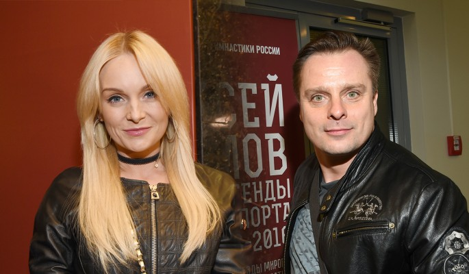 Александр Носик разорвал отношения с Анастасией Крайновой