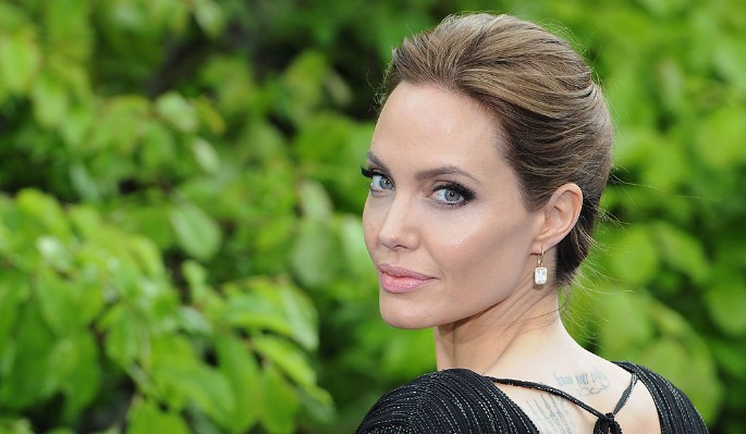 Анджелина Джоли выходит замуж