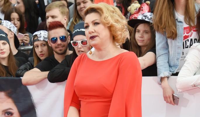 Ева Польна сбежала в Париж
