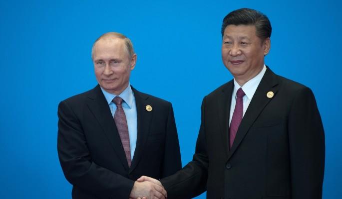 Путин подшутил над брошенным в одиночестве Си Цзиньпином