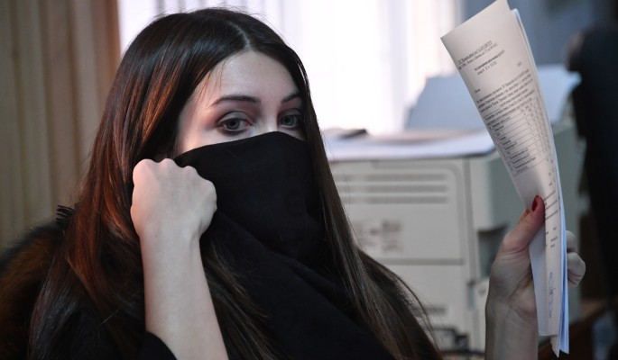 Мара Багдасарян устроилась продавать колбасу