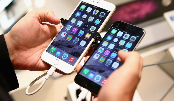 iPhone хотят запретить во всем мире
