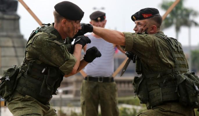 Геям в армии поможет настоящий полковник
