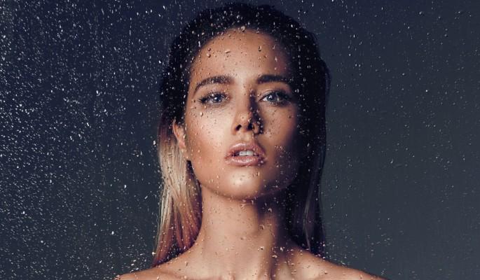Смотреть фото голой юлии паршуты в стрингах, проститутки москвы отдельной внешности