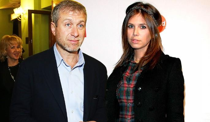 С кем проводят время Абрамович и Жукова после развода