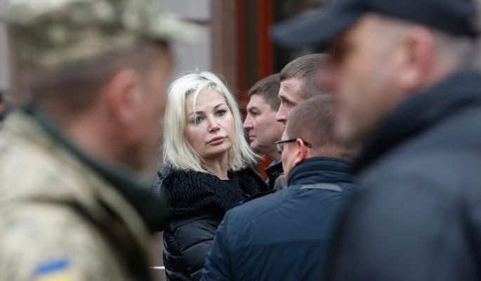 Максакова пристыдила располневшего сына за выступление в Крыму
