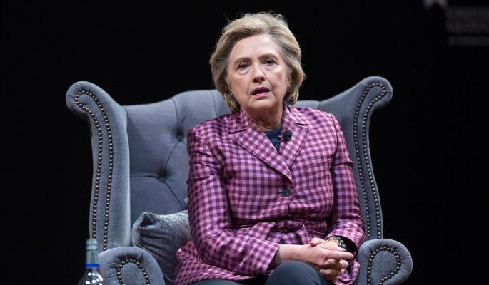 Упавшая с лестницы Клинтон получила тяжелую травму