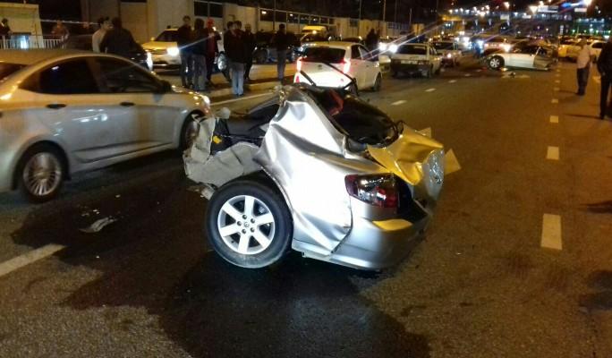 На трассе под Сочи Mercedes разорвало на две части