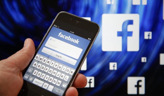 Facebook уличили в прослушке