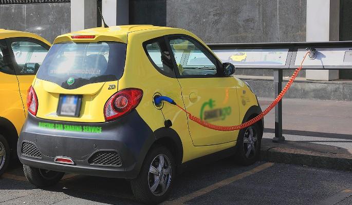 Почему электромобили непопулярны в России