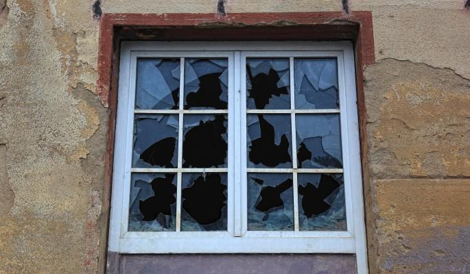 Украинский чиновник сбежал в ДНР через окно