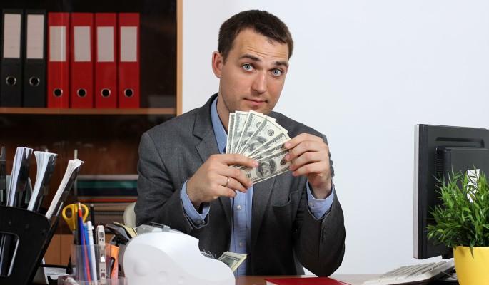 Курс доллара катится под откос