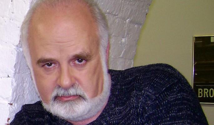Известный ведущий умер от рака легких