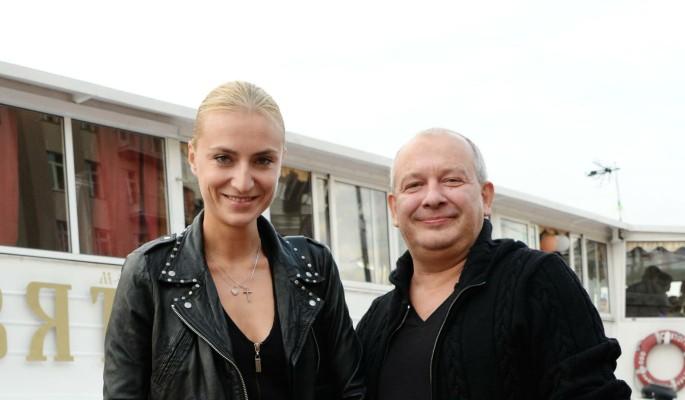 Вдова Марьянова вышла в свет и рассказала о наследстве