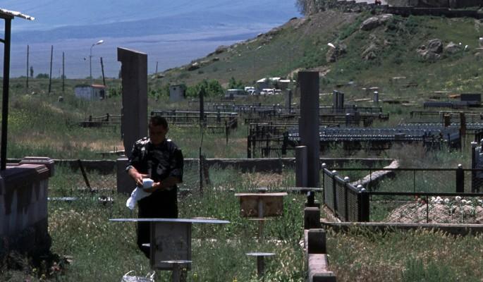 Безумные регионы: урюпинские вандалы атаковали местное кладбище