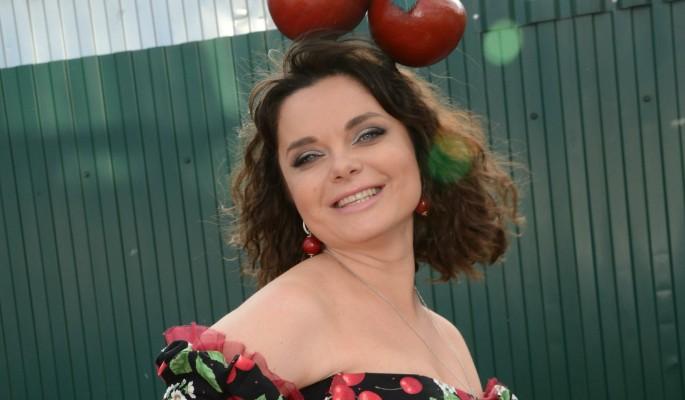 44-летняя красавица Королева переплюнула себя в молодости