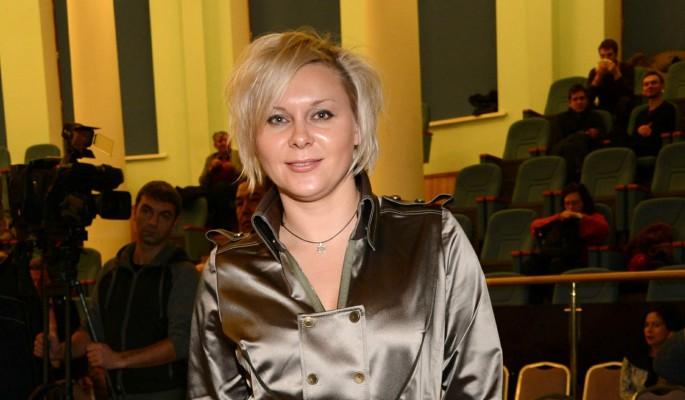 Напившаяся в подворотне Троянова: Я дошла до своего дна