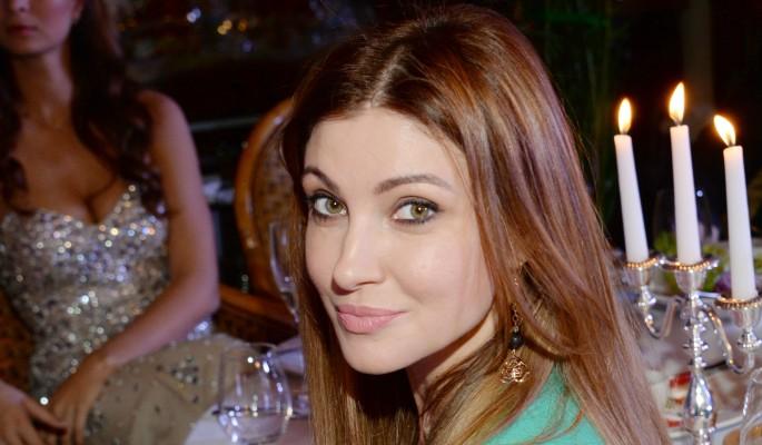 Анастасия Макеева блеснула трусами на красной дорожке