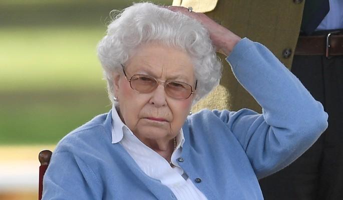 Семья Елизаветы II угодила в порноскандал