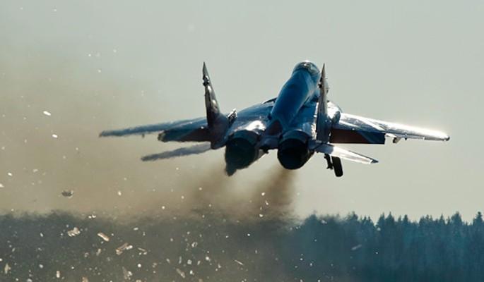 Усыпивший сослуживцев летчик угнал истребитель в Турцию