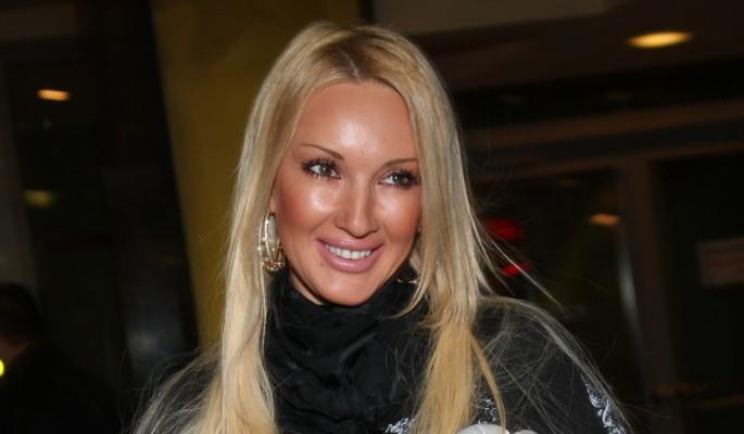 47-летняя Кудрявцева покидает Россию из-за родов