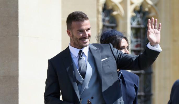 СМИ: Элтон Джон выступит на свадьбе принца Гарри и Меган Маркл