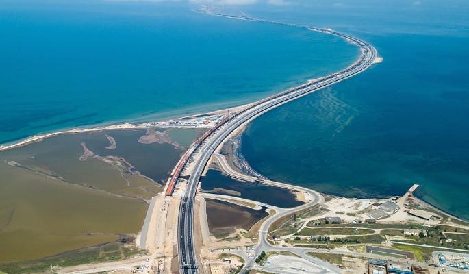 Благодарный Богу Киев присвоил Крымский мост