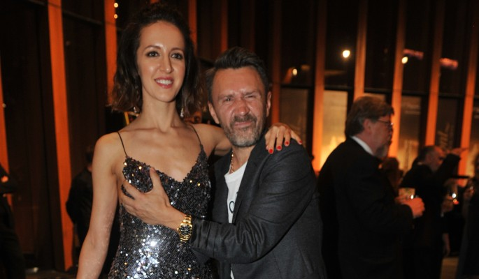 Объявивший о разводе Шнуров по-скотски обращается с женой