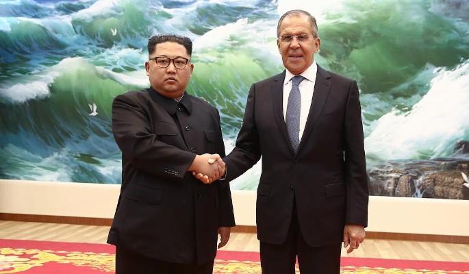 """В программе Киселева на """"России 1"""" Ким Чен Ыну пририсовали улыбку"""