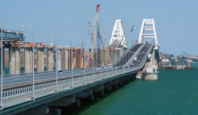 Жуткое месиво: Крымский мост залило кровью