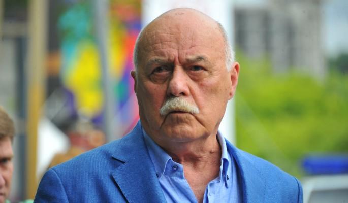 Страдающему Говорухину вынесли приговор за неделю до смерти