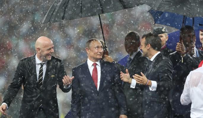Сухой Путин на финале ЧМ возмутил Запад