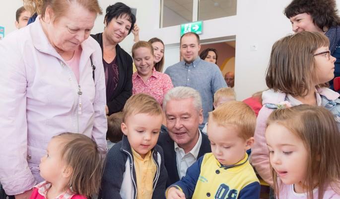 Кандидат в мэры Собянин пообещал снизить возраст приема в детсады