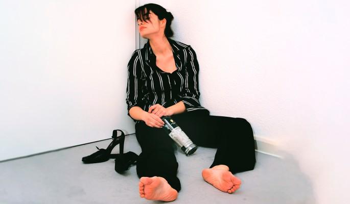 Как семья превращает человека в алкоголика и наркомана