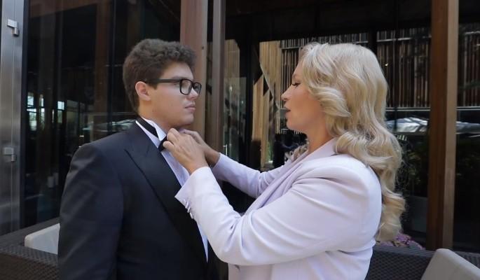 Жену Немцова назвали ровесницей его мамы