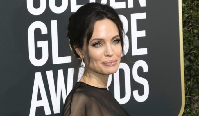 Джоли попалась на подлой манипуляции