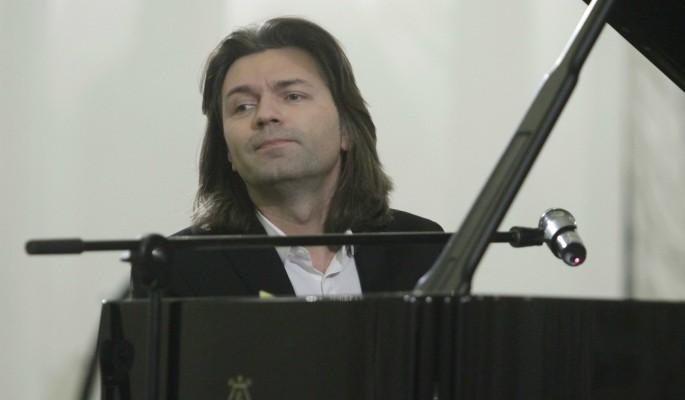 Это серьезно: певец Дмитрий Маликов теряет зрение