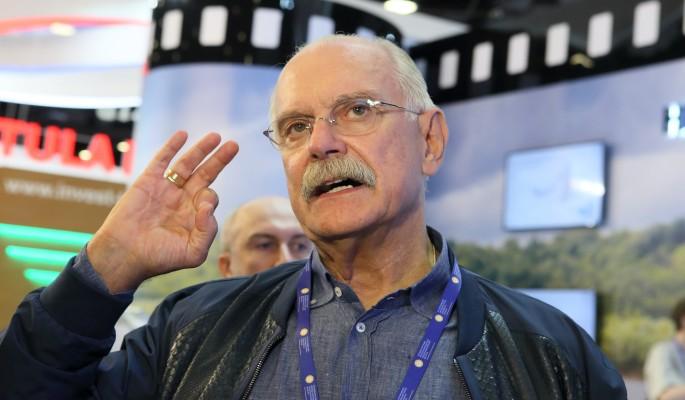 Никита Михалков объявился после тяжелой травмы