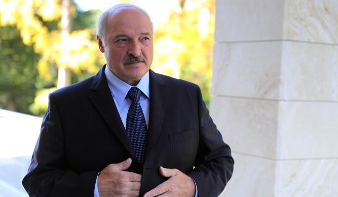 Поговоривший с Путиным Лукашенко закрыл границу с Украиной