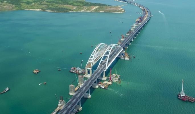 Кто раскачивает Крымский мост